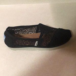 TOMS  Black  Size 9 Excellent Condition